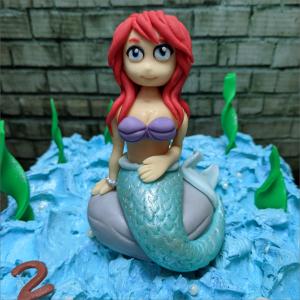 Arielle-die-Meerjungfrau-modelliert-Handmodelliert-Figuren-Fondant-Hochzeitstorten-Geburtstagstorten-Torten-Tuning-Suhl