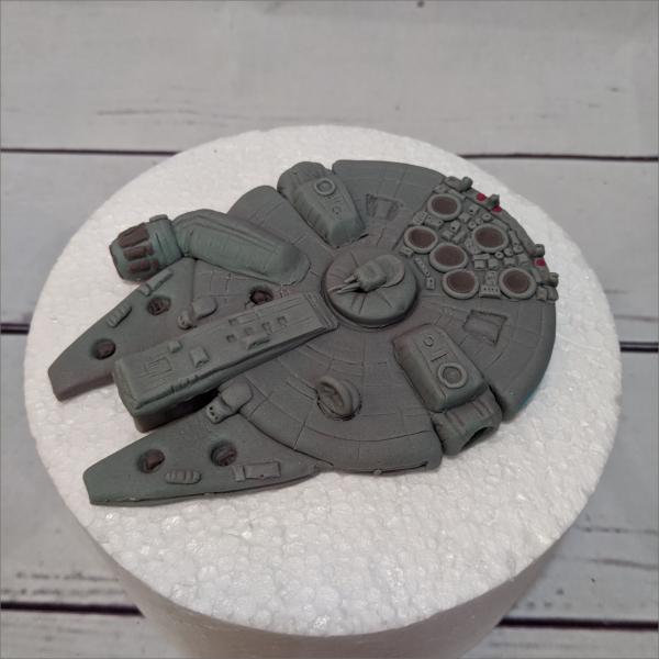 Essbare-Figuren-aus-Fondant-Star-Wars-Millennium-Falcon-Meiningen-Hildburghausen