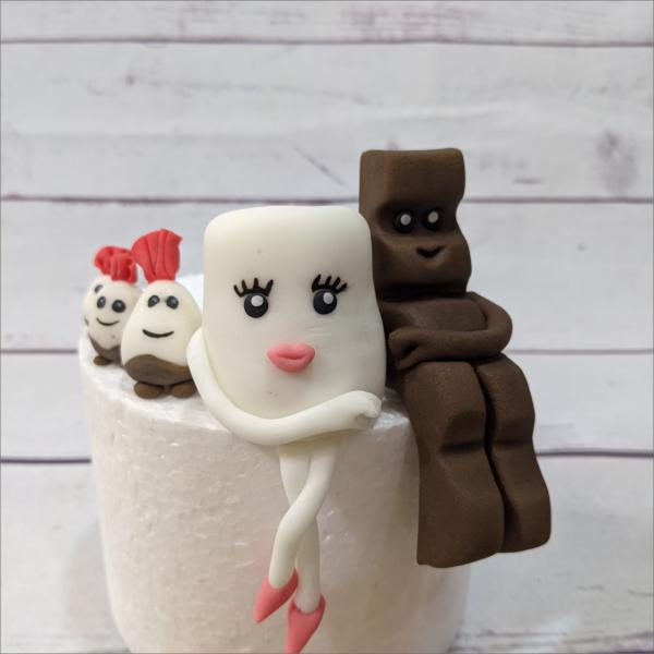 Kinderschokolade-P-rchen-Topper-Geburtstagstortemodelliert-Handmodelliert-Figuren-Fondant-Hochzeitstorten-Geburtstagstorten-Torten-Tuning-Suhl