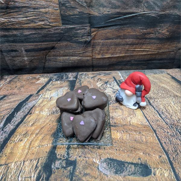 Lebkuchenherzen-gef-llt-mit-Erdbeermarmelade-modelliert-Handmodelliert-Figuren-Fondant-Hochzeitstorten-Geburtstagstorten-Torten-Tuning-Suhl