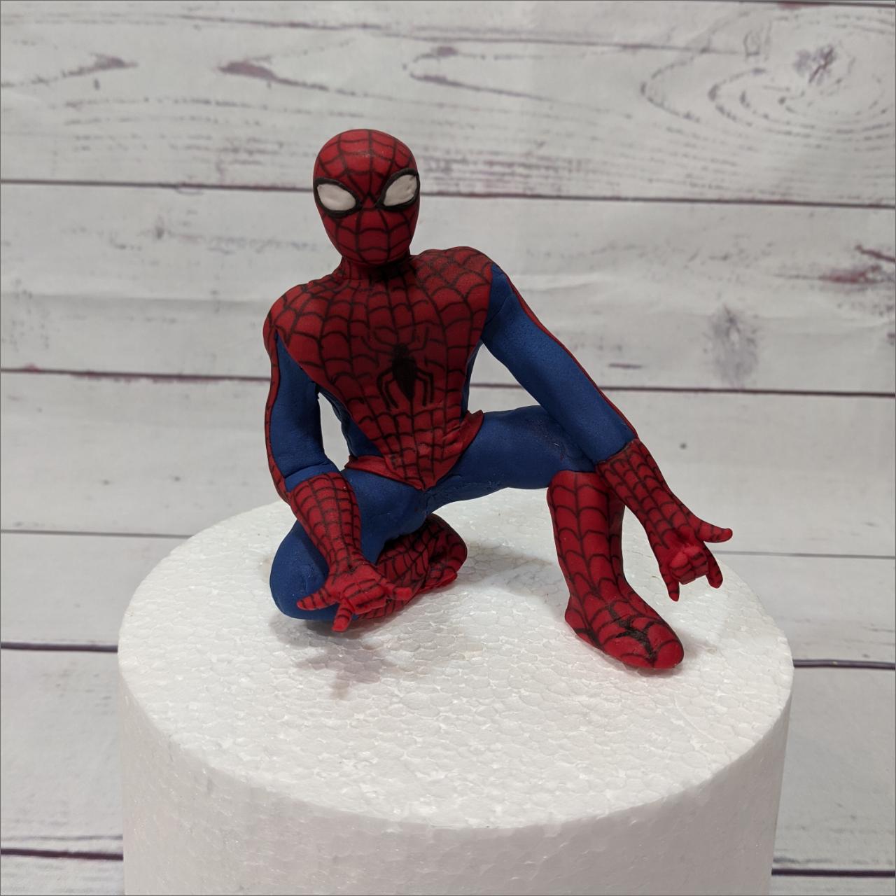 Spiderman-modellierte-Figuren-Fondant-Ilmenau-Torten-Kindergeburtstag-Tortendekor-Zuckerfigur-essbare-Figur-Torten-Tuning-Suhl