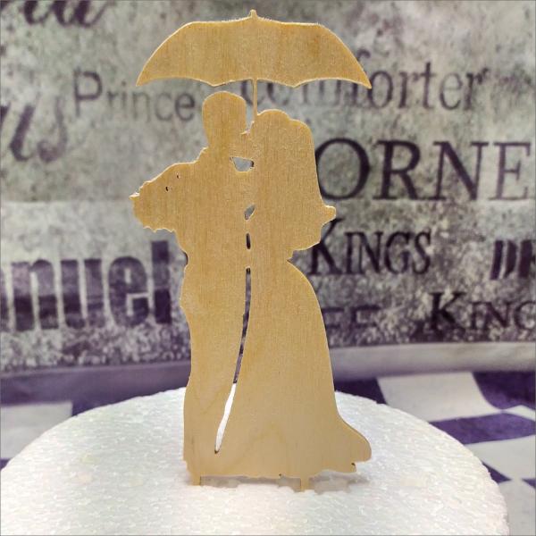 Torten-Tuning-Cake-Topper_Hochzeitspaar-mit-Regenschirm-2_Erlau_ErfurtJ2vcyZD4rHYPU