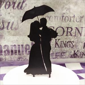 Cake Topper Brautpaar, Regenschirm Torten-Tuning-Cake-Topper_Hochzeitspaar-mit-Regenschirm_Erlau_ErfurtAmQBViKdGpkym