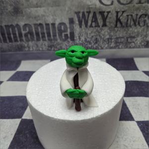 Torten-Tuning-essbare-Figuren-aus-Fondant-Star-Wars-Joda-Eisenach-Bad-Salzungen