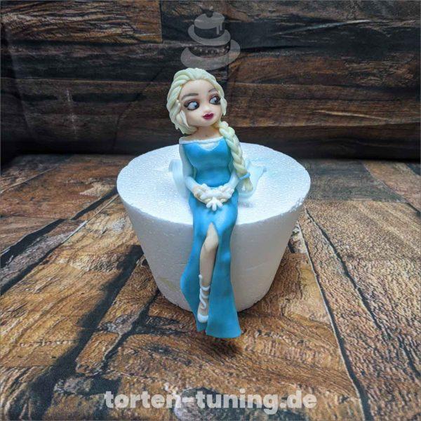 große Elsa Eiskönigin Elsa Eiskönigin Elsa Frozen modellierte Figur Fondantfigur Tortenfigur Torte Torten Tuning Geburtstagstorte Suhl Hochzeitstorte Kindertorten Babytorten Fondant