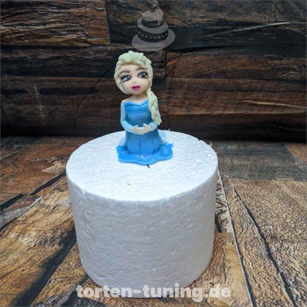 kleine Elsa Eiskönigin Frozen Elsa modellierte Figur Fondantfigur Tortenfigur Torte Torten Tuning Geburtstagstorte Suhl Hochzeitstorte Kindertorten Babytorten Fondant