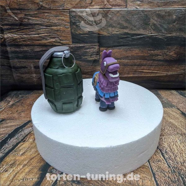Fortnite modellierte Figur Fondantfigur Tortenfigur Torte Torten Tuning Geburtstagstorte Suhl Hochzeitstorte Kindertorten Babytorten Fondant
