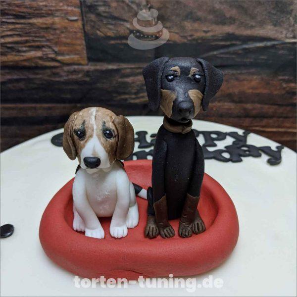 Hunde Beagle und Dobermann Hunde modellierte Figur Fondantfigur Tortenfigur Torte Torten Tuning Geburtstagstorte Suhl Hochzeitstorte Kindertorten Babytorten Fondant online