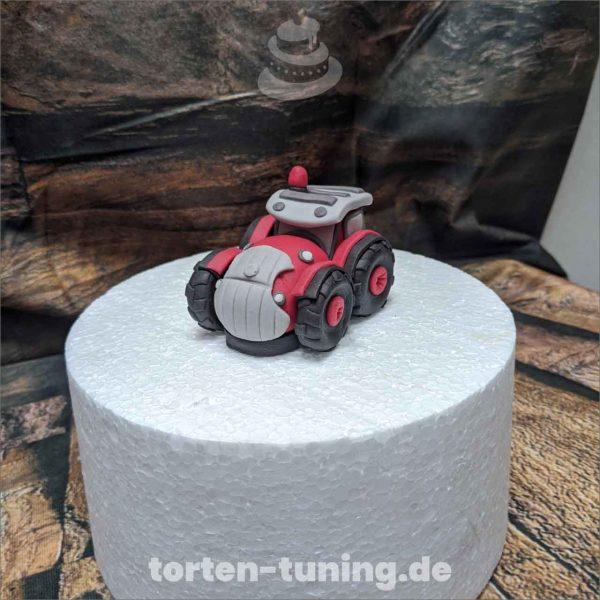 Traktor modellierte Figur Fondantfigur Tortenfigur Torte Torten Tuning Geburtstagstorte Suhl Hochzeitstorte Kindertorten Babytorten Fondant