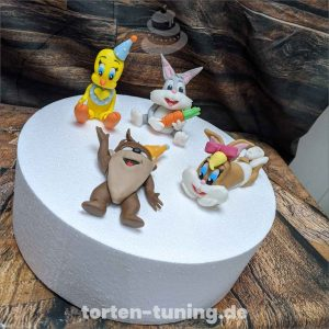 tortenfiguren loonie Tones modellierte Figur Fondantfigur Tortenfigur Torte Torten Tuning Geburtstagstorte Suhl Hochzeitstorte Kindertorten Babytorten Fondant