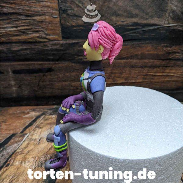 Fortnite Frau modellierte Figur Fondantfigur Tortenfigur Torte Torten Tuning Geburtstagstorte Suhl Hochzeitstorte Kindertorten Babytorten Fondant online