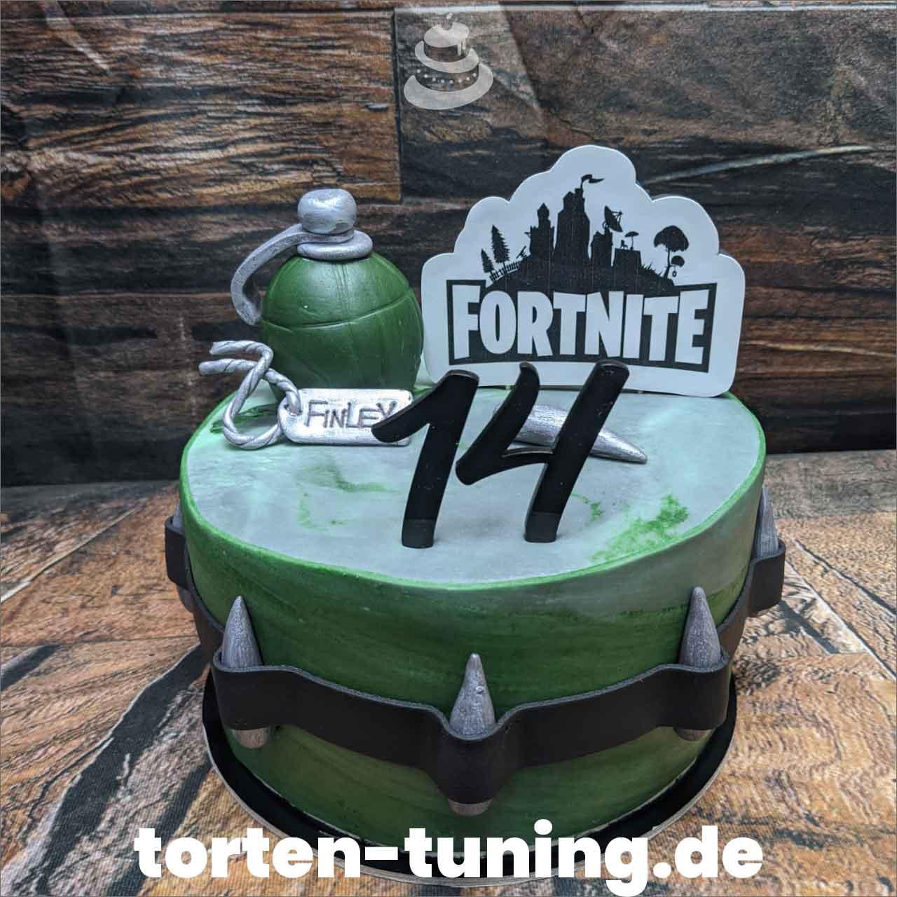 Fortnite Torte Torten Tuning Tortendekoration Geburtstagstorten Suhl Thüringen Backzubehörshop online bestellen Jugendweihe modellierte Figur