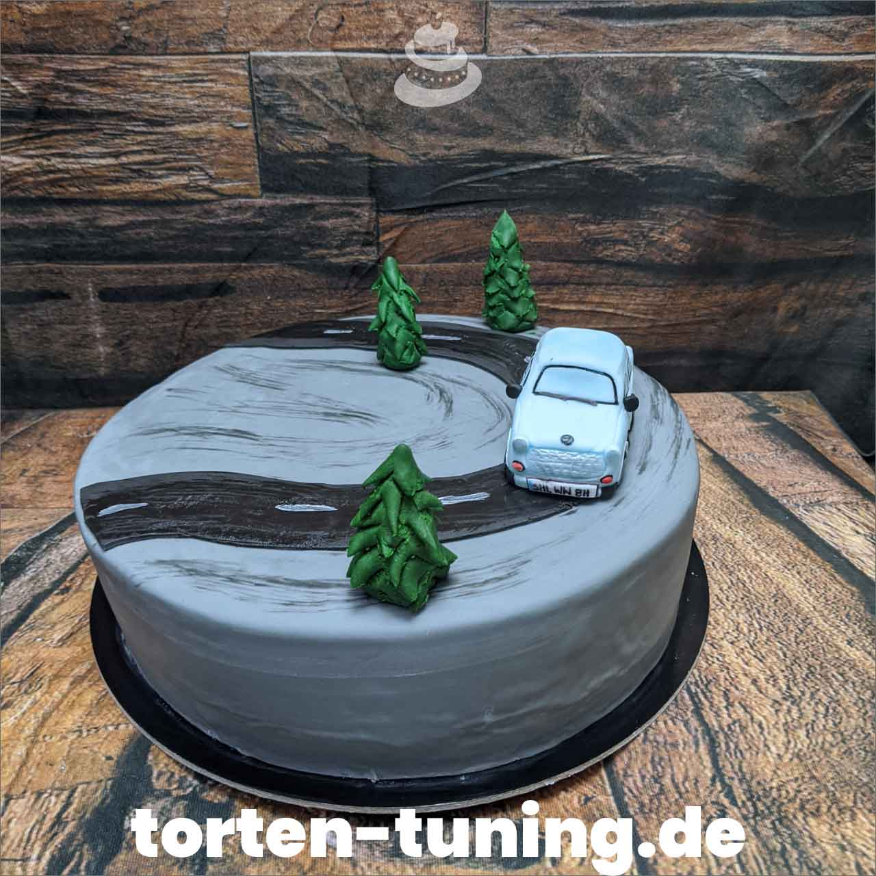 Trabbi Torten Tuning Tortendekoration Geburtstagstorten Suhl Thüringen Backzubehörshop online bestellen Jugendweihe modellierte Figur
