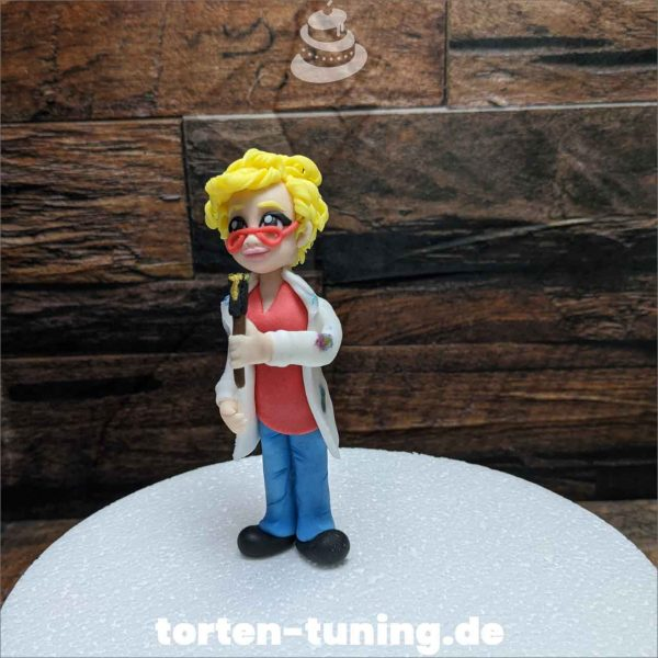 Malerin modellierte Figur Fondantfigur Tortenfigur Torte Torten Tuning Geburtstagstorte Suhl Hochzeitstorte Kindertorten Babytorten Fondant online