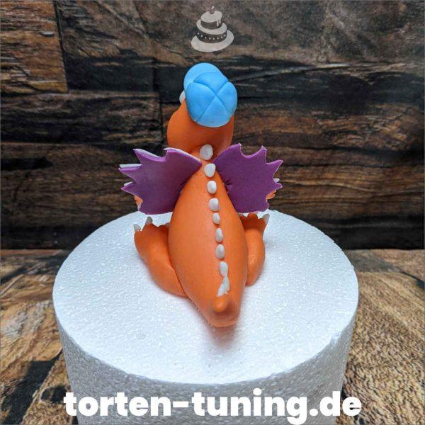 drache orange modellierte Figur Fondantfigur Tortenfigur Torte Torten Tuning Geburtstagstorte Suhl Hochzeitstorte Kindertorten Babytorten Fondant online