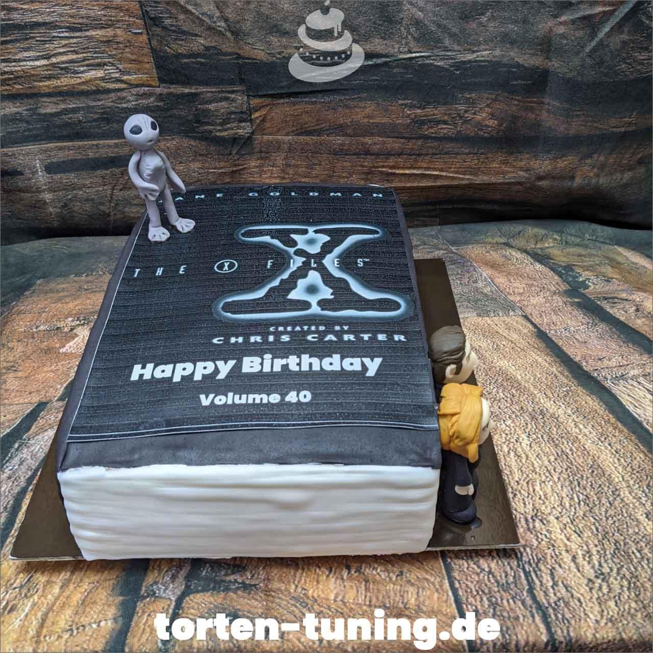 Akte X Skully Moulder Alien Dripcake Obsttorte Geburtstagstorte Motivtorte Torte Tortendekoration Torte online bestellen Suhl Thüringen Torten Tuning Sahnetorte Tortenfiguren Cake Topper
