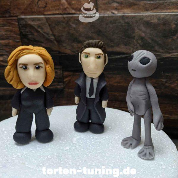 Tortendekoration Akte X Alien Akte X Tortendekoration online bestellen Fondantfiguren modellierte essbare Figuren aus Fondant Backzubehör Tortenfiguren Tortenfigur individuelle Tortendeko