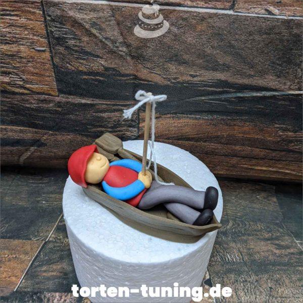 Tortendekoration Angler im Boot Angler Tortendekoration online bestellen Fondantfiguren modellierte essbare Figuren aus Fondant Backzubehör Tortenfiguren Tortenfigur individuelle Tortendeko