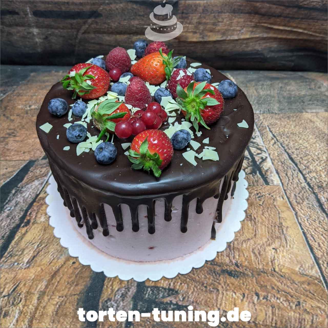 Dripcake Obsttorte Geburtstagstorte Motivtorte Torte Tortendekoration Torte online bestellen Suhl Thüringen Torten Tuning Sahnetorte Tortenfiguren Cake Topper