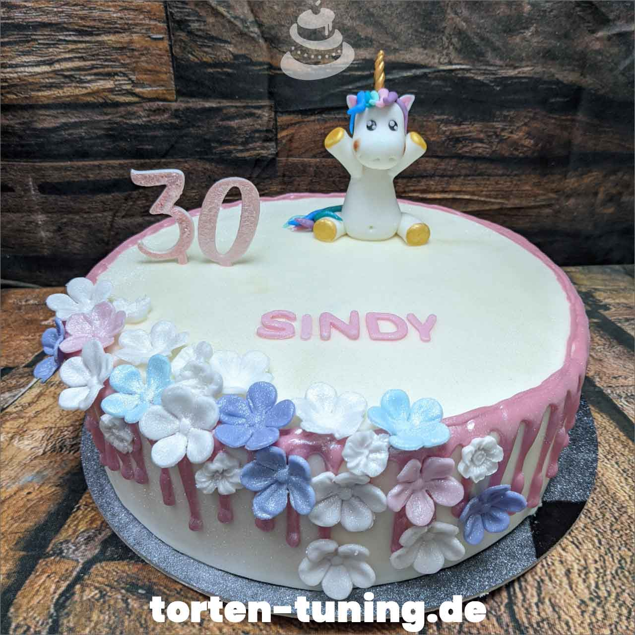 Einhorn Dripcake Obsttorte Geburtstagstorte Motivtorte Torte Tortendekoration Torte online bestellen Suhl Thüringen Torten Tuning Sahnetorte Tortenfiguren Cake Topper