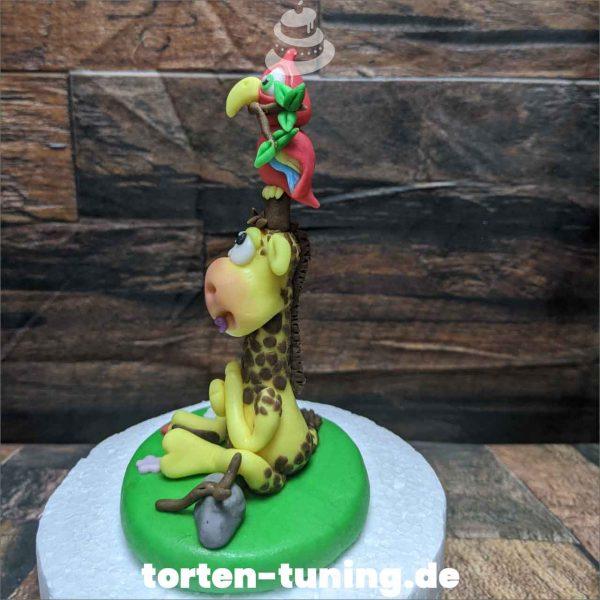 Tortendekoration Giraffe mit Papagei Giraffe mit Papagei Tortendekoration online bestellen Fondantfiguren modellierte essbare Figuren aus Fondant Backzubehör Tortenfiguren Tortenfigur individuelle Tortendeko