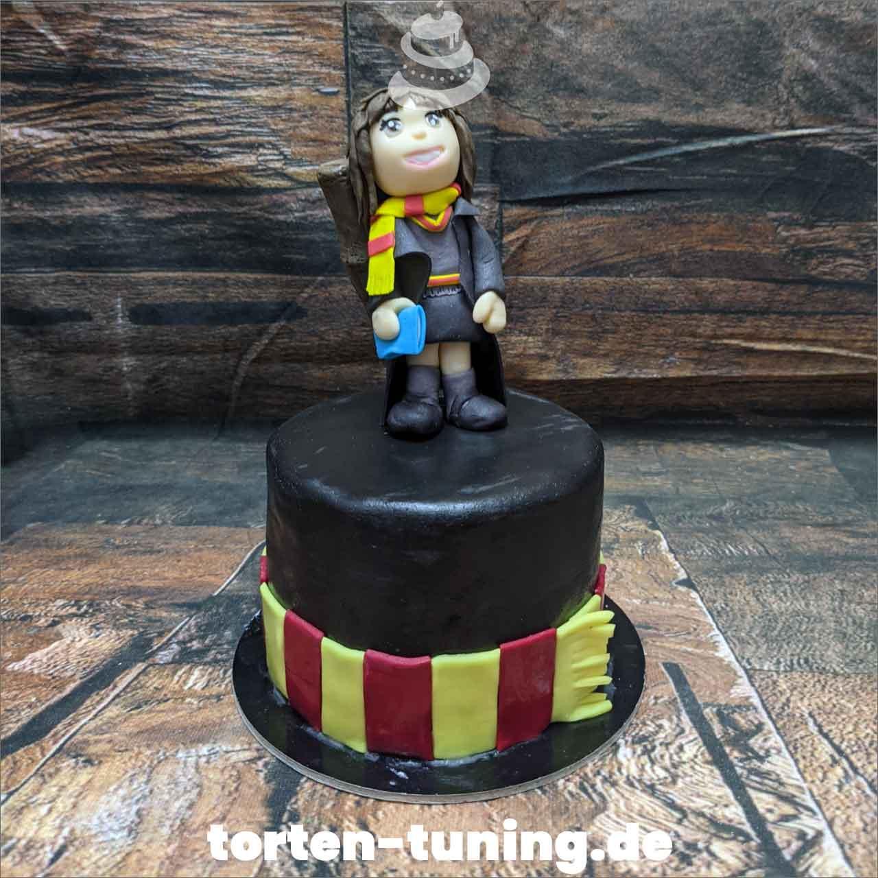 Hermine Harry Potter Dripcake Obsttorte Geburtstagstorte Motivtorte Torte Tortendekoration Torte online bestellen Suhl Thüringen Torten Tuning Sahnetorte Tortenfiguren Cake Topper