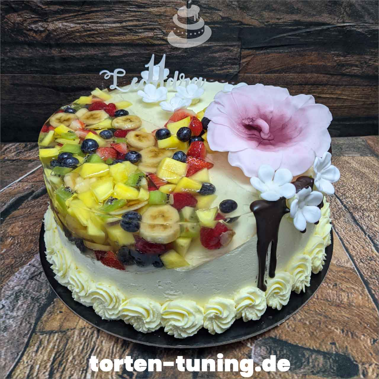 Isle Cake Obst Dripcake Obsttorte Geburtstagstorte Motivtorte Torte Tortendekoration Torte online bestellen Suhl Thüringen Torten Tuning Sahnetorte Tortenfiguren Cake Topper