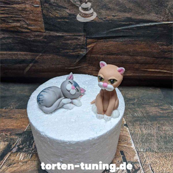 Tortendekoration niedliche Katzen Katzen Tortendekoration online bestellen Fondantfiguren modellierte essbare Figuren aus Fondant Backzubehör Tortenfiguren Tortenfigur individuelle Tortendeko