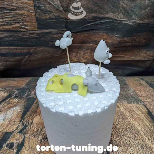Mäuse Käse Tortendekoration online bestellen Fondantfiguren modellierte essbare Figuren aus Fondant Backzubehör Tortenfiguren Tortenfigur individuelle Tortendeko