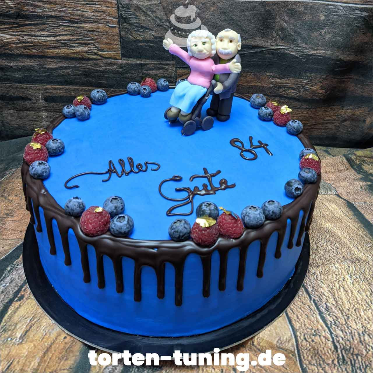 Oma Opa Rollator Dripcake Obsttorte Geburtstagstorte Motivtorte Torte Tortendekoration Torte online bestellen Suhl Thüringen Torten Tuning Sahnetorte Tortenfiguren Cake Topper