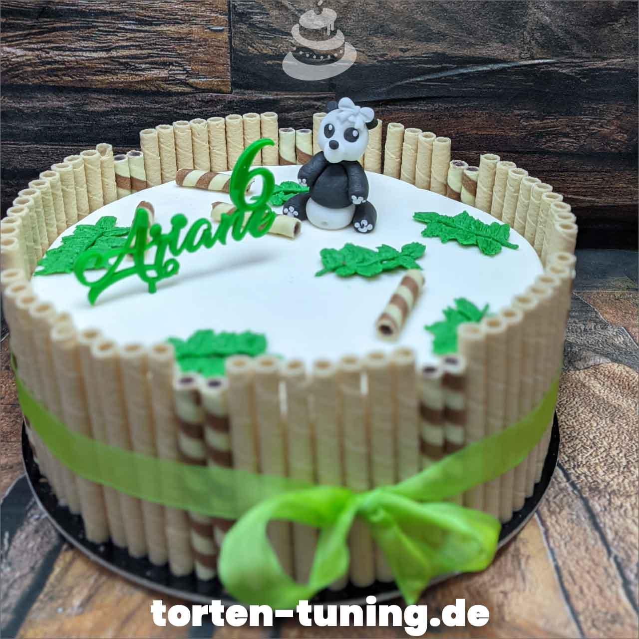 Panda Torte Bambus Dripcake Obsttorte Geburtstagstorte Motivtorte Torte Tortendekoration Torte online bestellen Suhl Thüringen Torten Tuning Sahnetorte Tortenfiguren Cake Topper