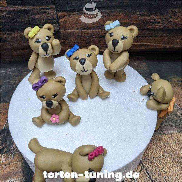 Teddys Tortendekoration online bestellen Fondantfiguren modellierte essbare Figuren aus Fondant Backzubehör Tortenfiguren Tortenfigur individuelle Tortendeko