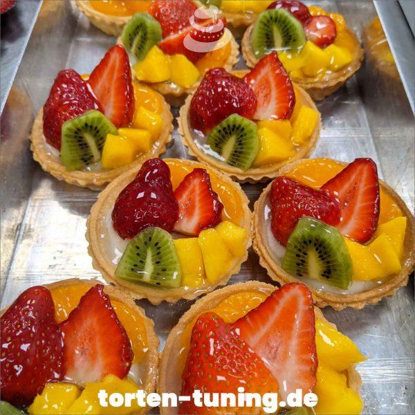Tortletts Dripcake Obsttorte Geburtstagstorte Motivtorte Torte Tortendekoration Torte online bestellen Suhl Thüringen Torten Tuning Sahnetorte Tortenfiguren Cake Topper