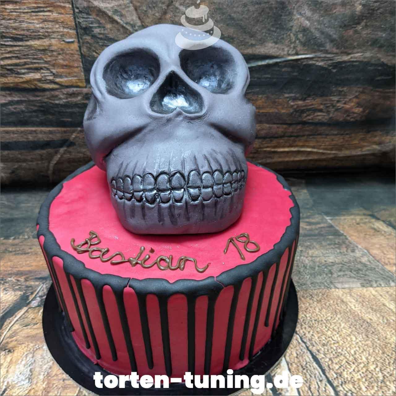 Totenkopf Dripcake Obsttorte Geburtstagstorte Motivtorte Torte Tortendekoration Torte online bestellen Suhl Thüringen Torten Tuning Sahnetorte Tortenfiguren Cake Topper