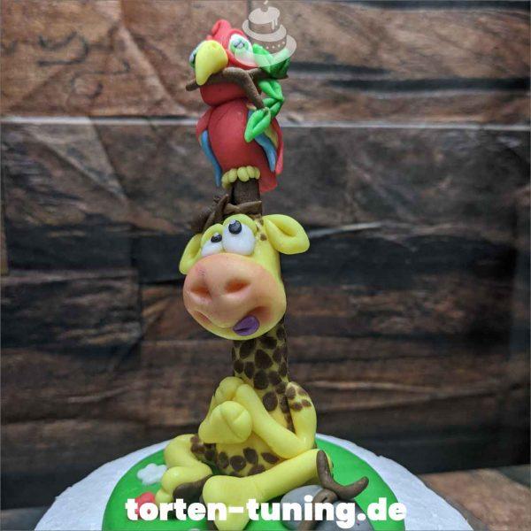 Tortendekoration Giraffe mit Papagei Vogel Giraffe Tortendekoration online bestellen Fondantfiguren modellierte essbare Figuren aus Fondant Backzubehör Tortenfiguren Tortenfigur individuelle Tortendeko