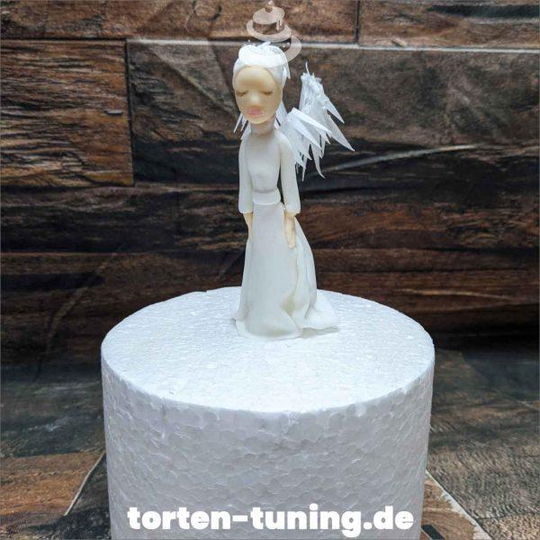 Weißer Engel Tortendekoration online bestellen Fondantfiguren modellierte essbare Figuren aus Fondant Backzubehör Tortenfiguren Tortenfigur individuelle Tortendeko