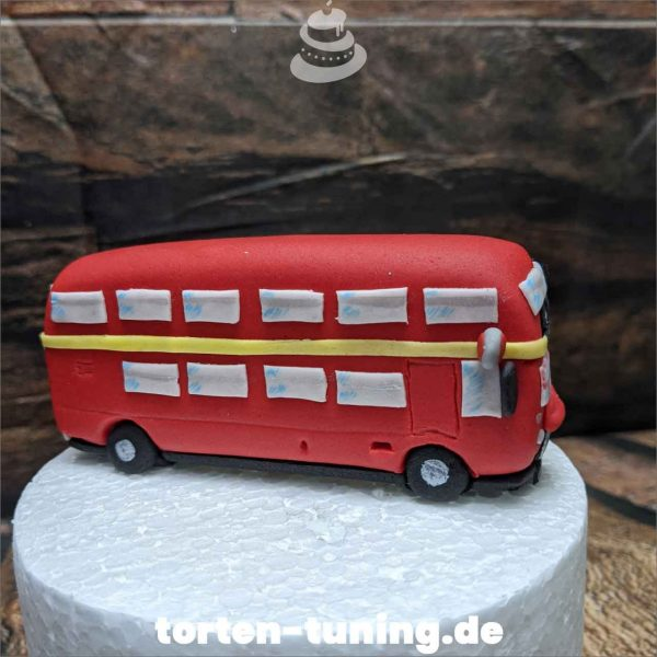 Tortendekoration Doppeldecker Bus englischer Bus Tortendekoration online bestellen Fondantfiguren modellierte Figuren essbare Figuren aus Fondant Backzubehör Tortenfiguren Tortenfigur individuelle Tortendeko