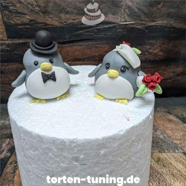 Tortendekoration Pinguin Brautpaar