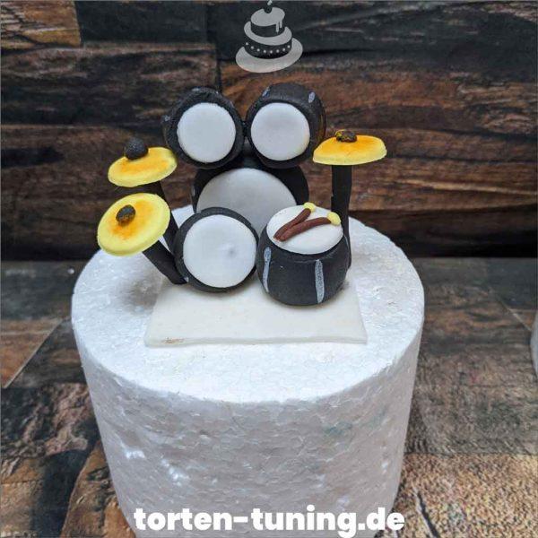 Schlagzeug Tortendekoration online bestellen Fondantfiguren modellierte essbare Figuren aus Fondant Backzubehör Tortenfiguren Tortenfigur individuelle Tortendeko.jpg.jpg