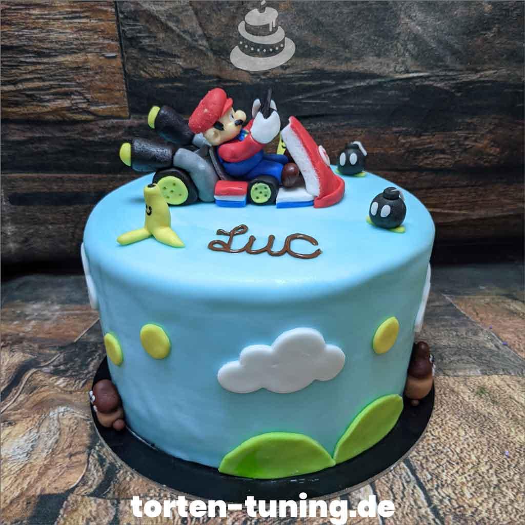 Super Mario Geburtstagstorte Kinder Tortendekoration modellierte Figur Fondantfigur Tortenfigur Torte Torten Tuning Geburtstagstorte Suhl Arnstadt Hochzeitstorte Kindertorten Babytorten