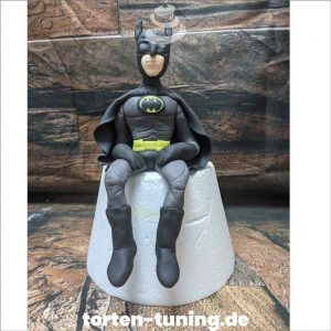Tortendekoration BatmanTortenfigur Batman Tortendekoration online bestellen Fondantfiguren modellierte essbare Figuren aus Fondant Backzubehör Tortenfiguren Tortenfigur individuelle Tortendeko.jpg.jpg